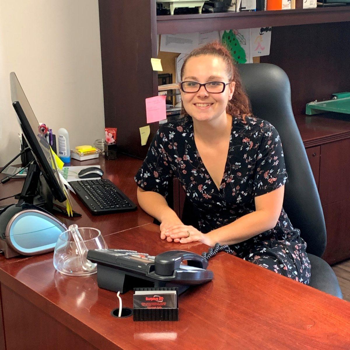 Élizabeth Kelly Sales Associate/Associé aux Ventes